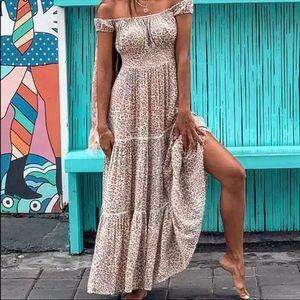 Dresses & Skirts - BOHO CHÍC ANIMAL PRINT MAXI DRESS